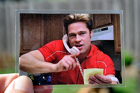 Magnet of Brad Pitt in the film Burn After Reading.